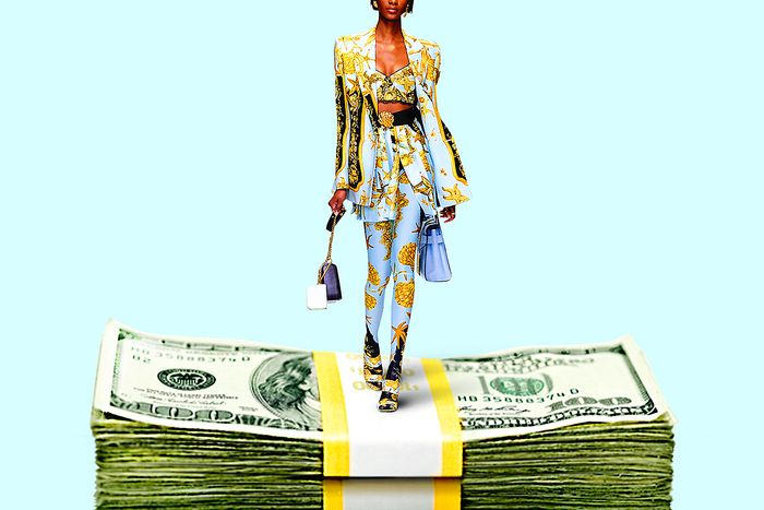 Fashion runways move collections to save money