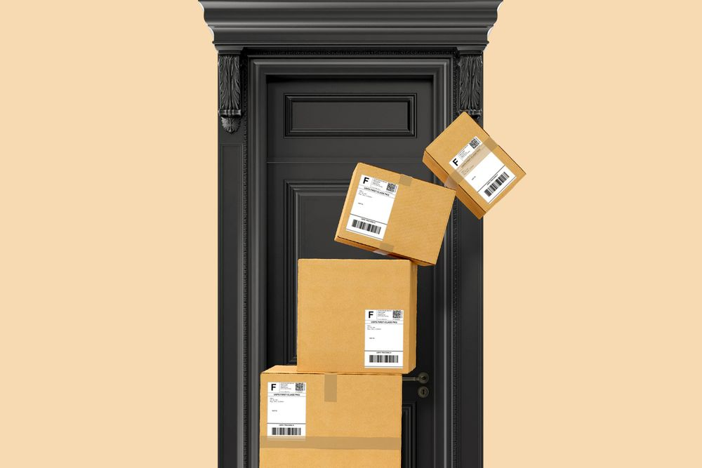E-comm deliveries pile up on a doorstep