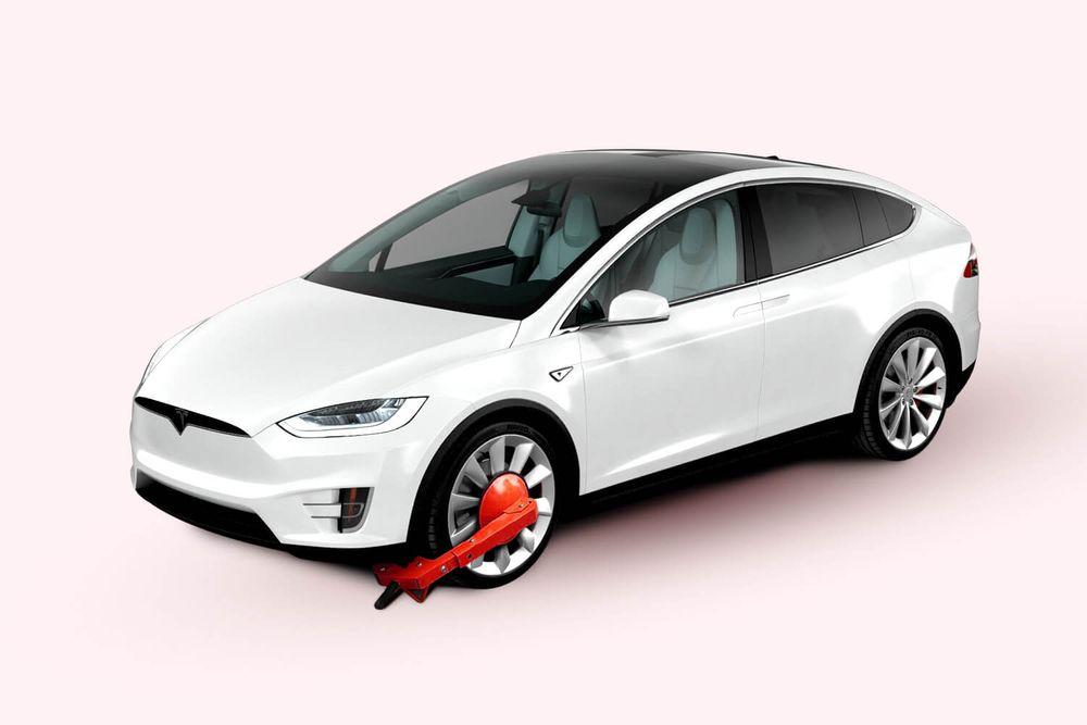 Tesla with wheel lock